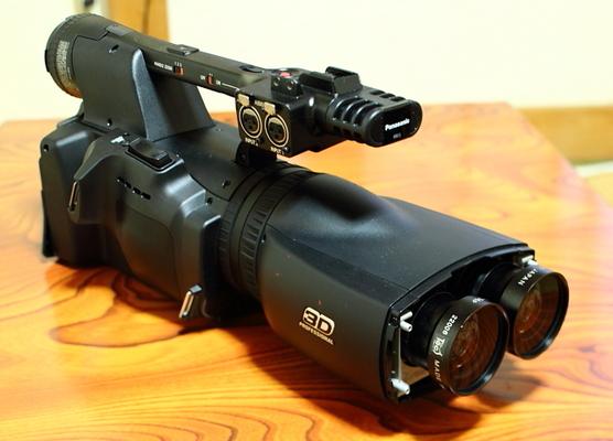 パナソニックの業務用3D一体型二眼式カメラレコーダーAG-3DA1