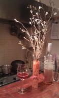気分だけでも!桜の花とロゼワイン。
